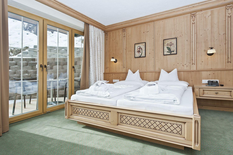 Schlafzimmer in der Suite Zillertal