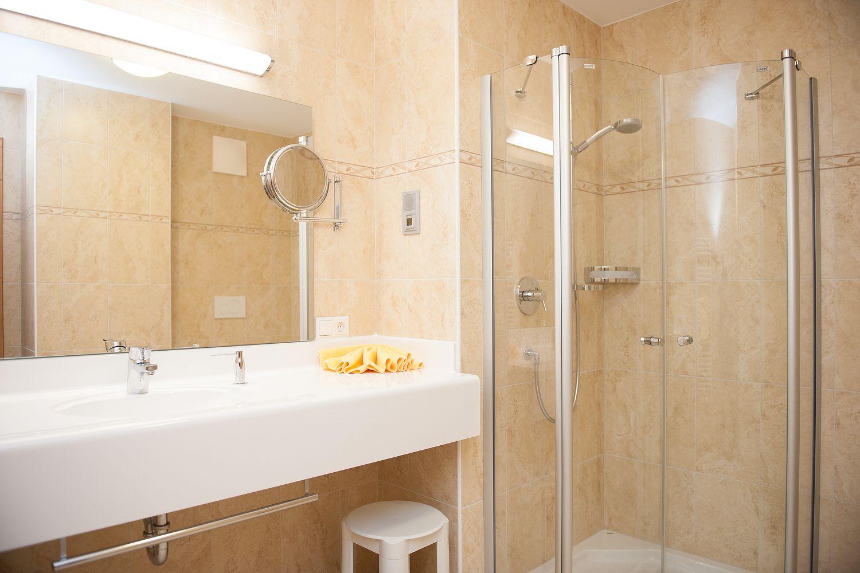 Bad im Einzelzimmer Zillertal